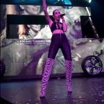 Miley-Cyrus-en-concierto-con-Borgore-09
