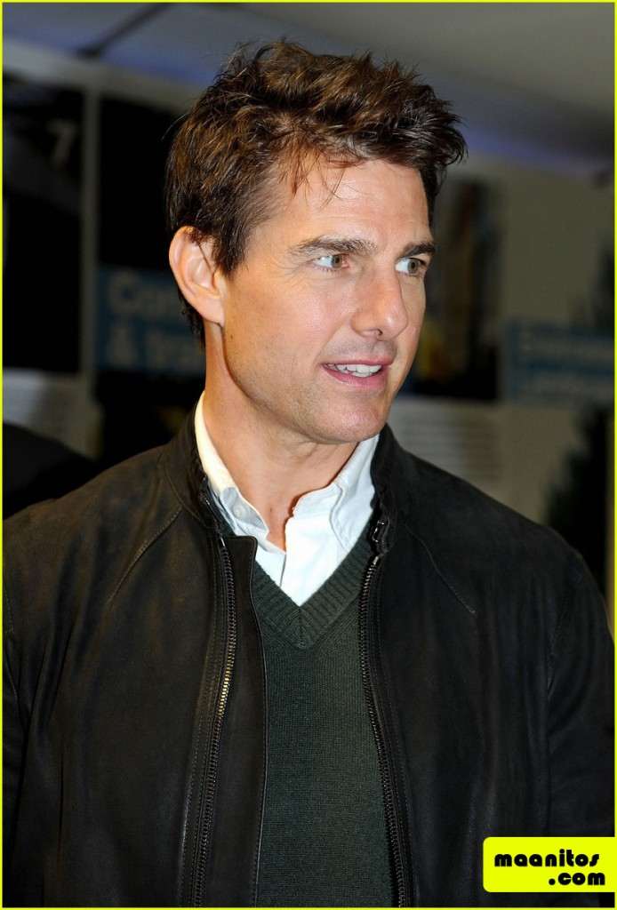 Tom-Cruise-Promoci¢nando-Jack-Reacher-en-el-Derby-de-Manchester-06